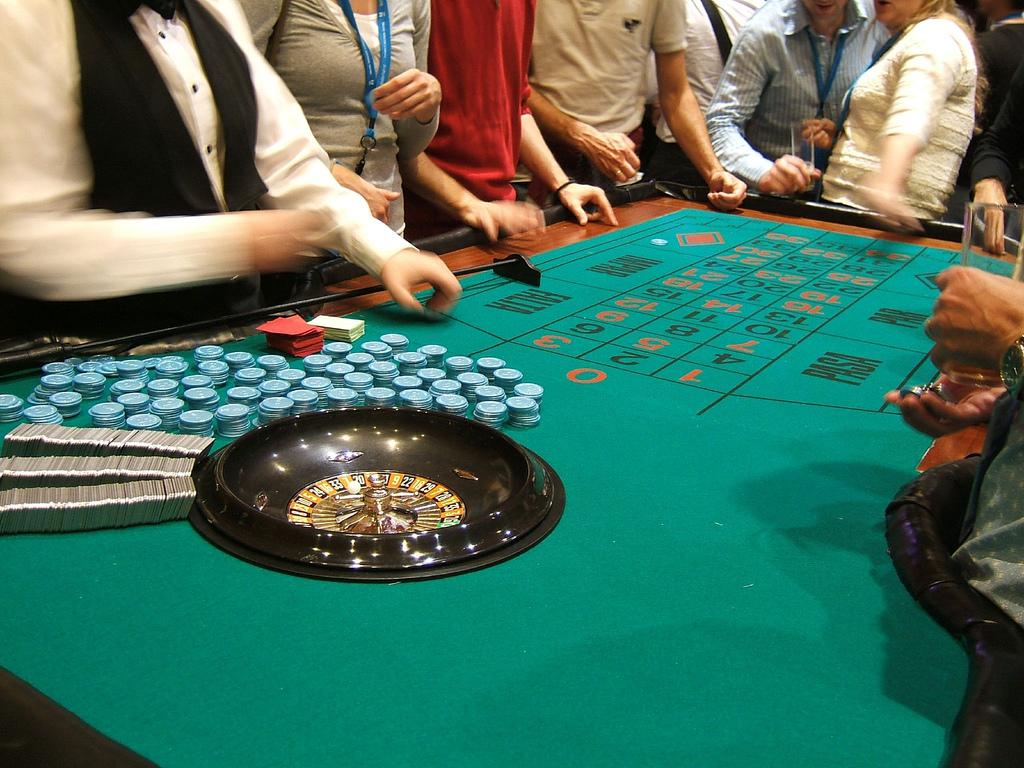 crupier en vivo para apuestas en ruleta de casino online